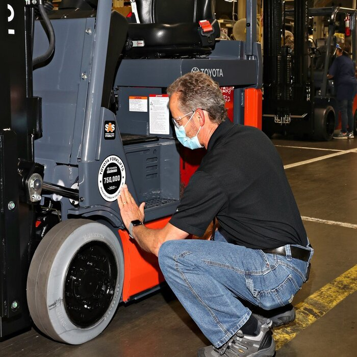 Toyota forklift production